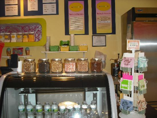 Smooch Cafe: Yummy Ice cream and toppings
