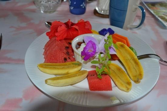 Coral Hill Bungalows: Gourmet breakfast - very delicious!