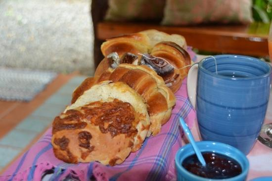 Coral Hill Bungalows: all breads are freshly made just for you!
