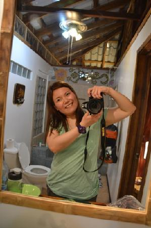 Coral Hill Bungalows: i love the bathroom so much, i just had to take a photo:)