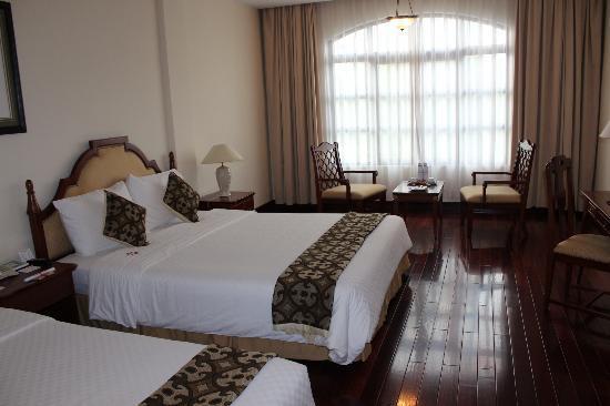 Hotel Saigon Morin: Very spacious room