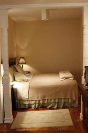 Greenwich Village Habitue: Nice firm bed