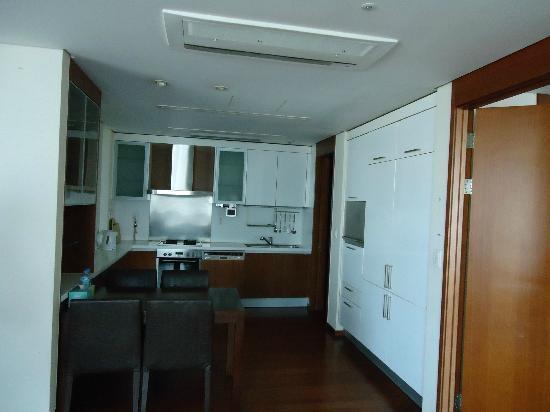 Vabien Suite I Serviced Residence: dinning