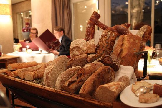 impressive bread cart (41099070)