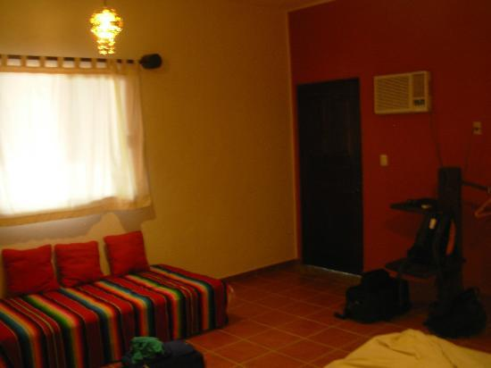 Lo Nuestro Petite Hotel: Doorway area of room
