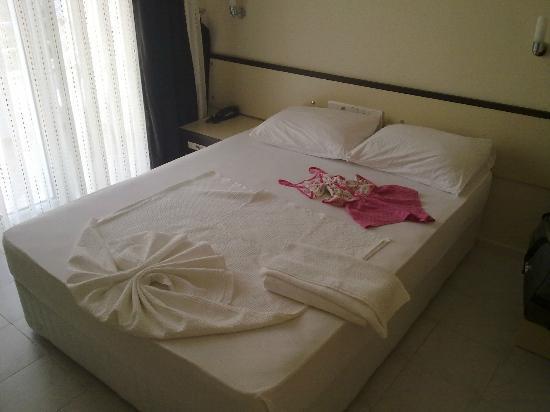 Blue Velvet Hotel: double bed for single