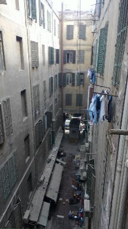 Hola Cairo Hostel: view from balcony 1