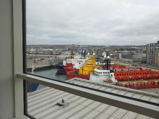 Ibis Aberdeen Centre: vista al puerto
