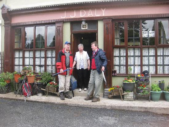 Deebert House Hotel: Dalys Pub - a must!