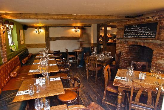 Private dining meeting room picture of the bugle hamble for Restaurants with private rooms near me