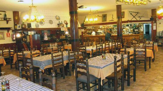 The old-fashioned interior of the Meson del Rey with its fantastic wine bar