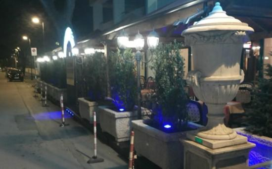 Ristorante pizzeria winebar DAI DOGI: By night