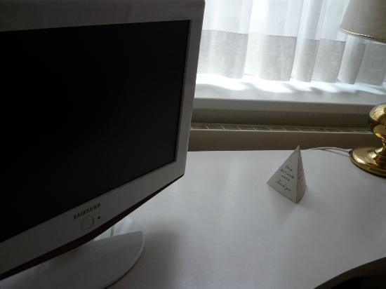 โรงแรมอามาเดอุส: TV