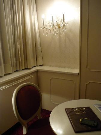 Hotel Amadeus: Sitting area