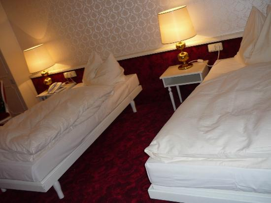 Hotel Amadeus: Twin beds room