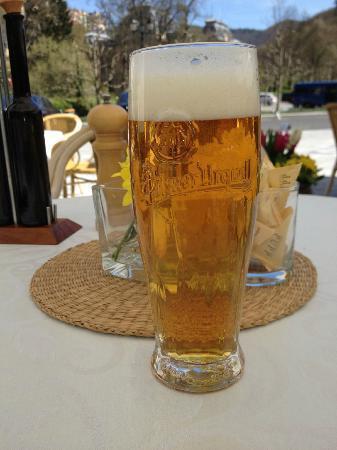 Grandhotel Pupp: Pivo at terrace