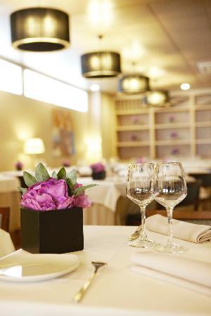 Hotel Plaza Andorra: restaurant detall