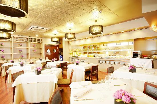 Hotel Plaza Andorra: restaurant esmorzars