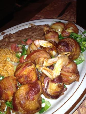 Tia Maria's Mexican Restaurant: jalopies and cheese stuffed shrimp raped in bacon