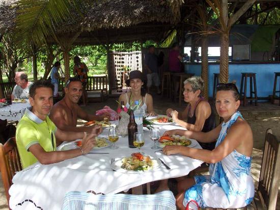 Repas entre amis photo de chez loulou nosy be tripadvisor for Repas entre amis
