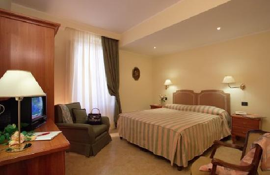 Hotel Dei Pini Reviews
