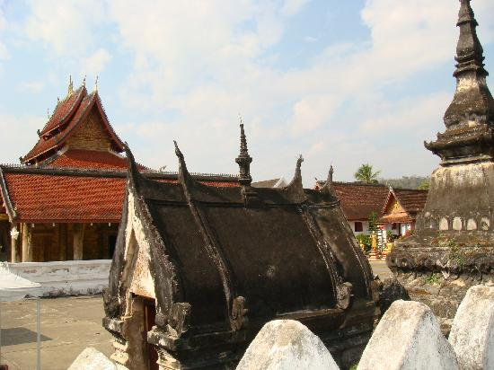 Wat Mai Suwannapumaram: Vat May2