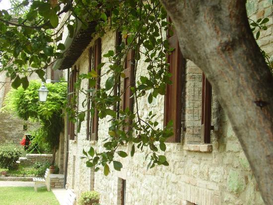 La Rocca di Mantignana: Blick in Richtung Mulino