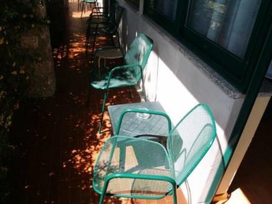 Centro Vacanze La Limonaia: Balkon/Terrasse