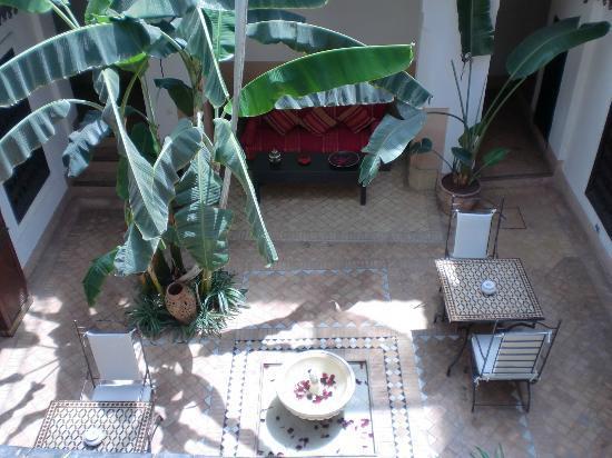 Dar Balthazar: Patio planta de abajo