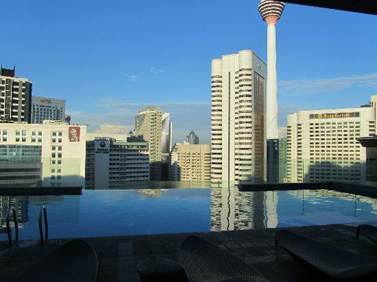Fraser Place Kuala Lumpur: The infinity pool