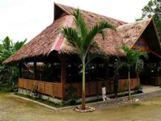French Kiss Asia Resort : bar and restaurant
