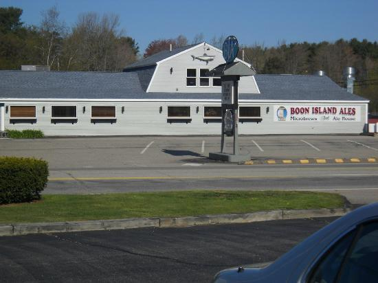 The Boon Island Ale House : new location -sign reads BIA