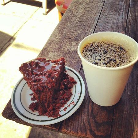 Erin McKenna's Bakery : Stumptown coffee and chocolate crumb cake