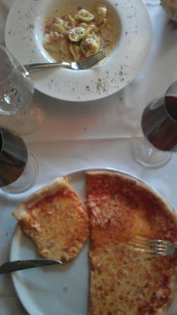 Adler Muri: Tortelloni / Pizza Margherita