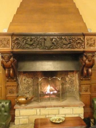 Dunnikier House Hotel: Fireplace in Main Hall