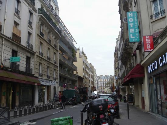 Hotel de la Terrasse : Rue Letort.
