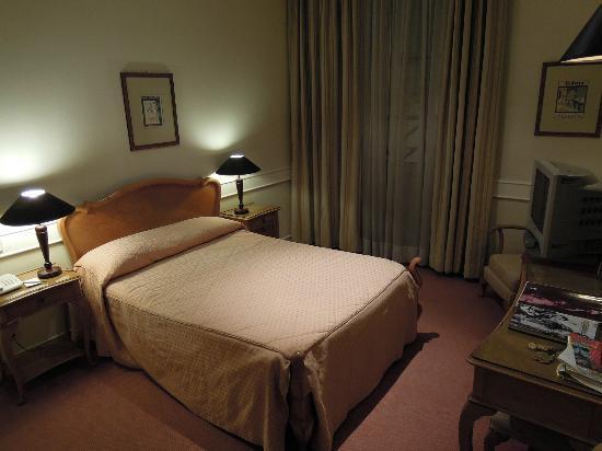 Hotel Metropole: ダブルベッドの部屋