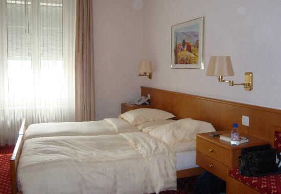 """Hotel Elite: la """"grande"""" chambre"""