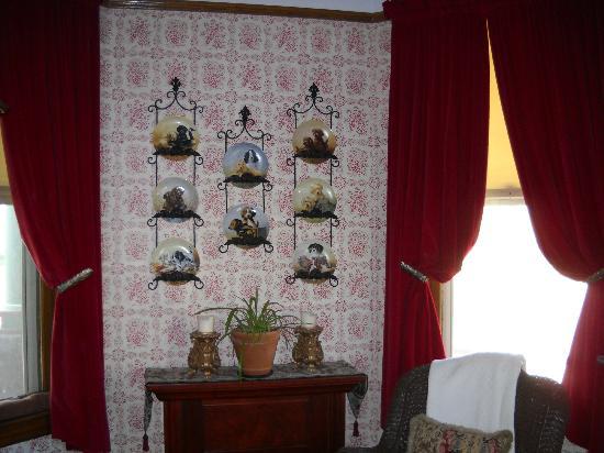 Heritage House Bed & Breakfast: Main Floor