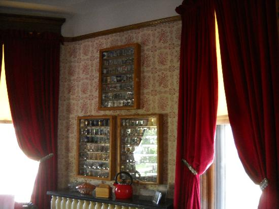Heritage House Bed & Breakfast: Sun Room