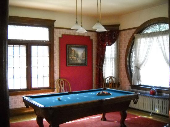 Heritage House: Pool Room