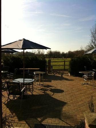 Bramleys Tearooms: Outside seating area