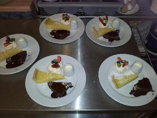 Bramleys Tearooms: Brownie, Lemon Tart and Mini Pavlova!