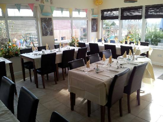 Bramleys Tearooms: Set up for a 50th Weddding Anni Party