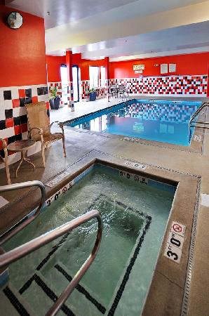 Best Western Plus Denver International Airport Inn & Suites: Pool Area
