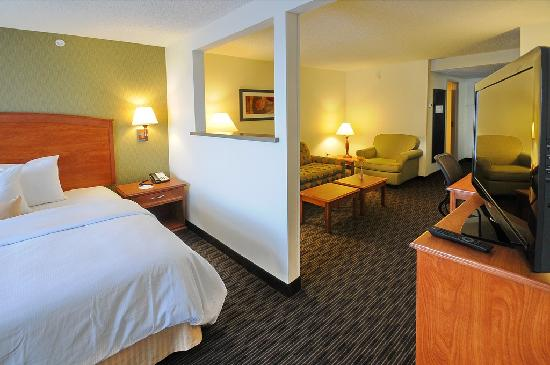 BEST WESTERN PLUS Denver International Airport Inn & Suites: King Suite