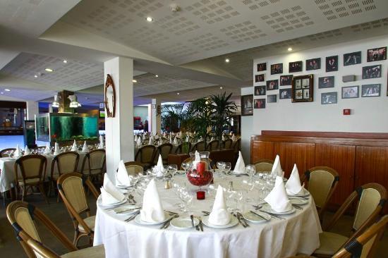 Praia Tamariz Restaurant: COMEDOR