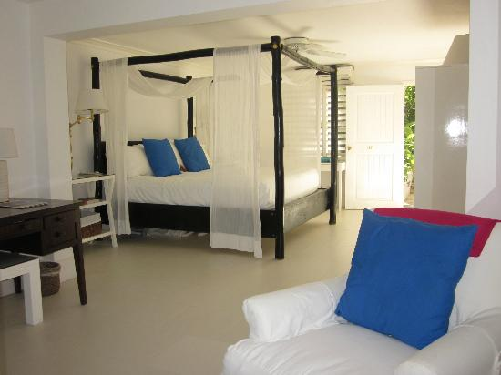 Round Hill Hotel & Villas: Our room
