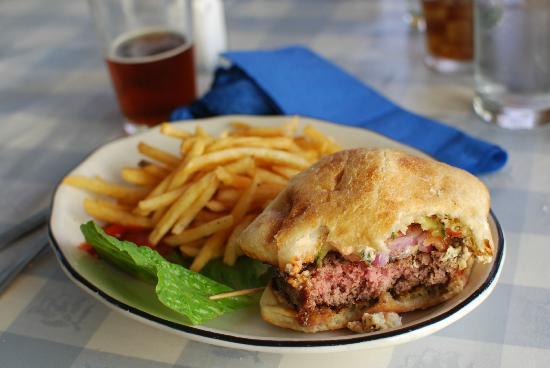 Blue Wing Saloon & Cafe: Black n Blue Burger