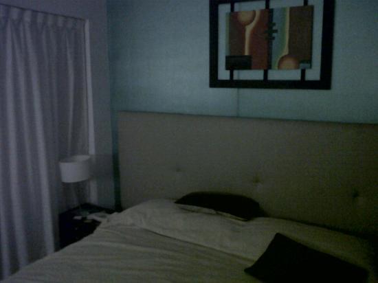 Ker Urquiza Hotel & Suites: Cama de la habitacion